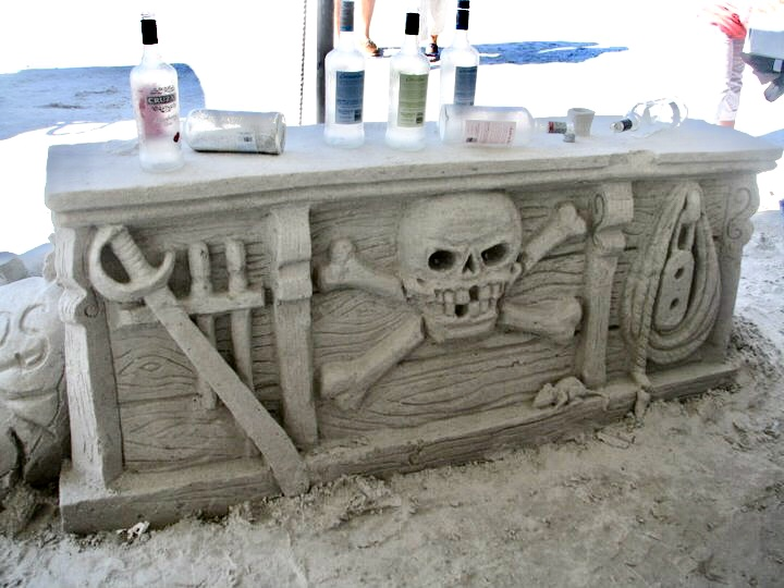 Brian Wigelsworth created this Sand Bar at a sand event in Florida.